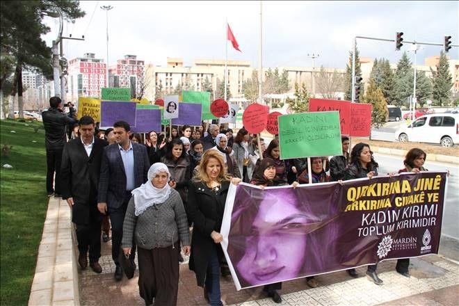 Mardin`de Özgecan için yürüyüş düzenlendi