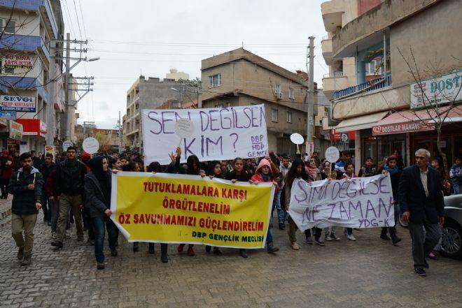 "Nusaybin`de ""Hasta tutuklu"" protestosu"