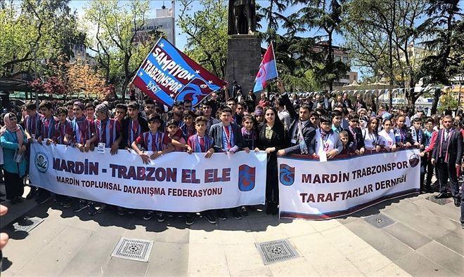 Trabzon - Mardin kardeşliğinde ´Şampiyon Trabzonspor´ sloganları