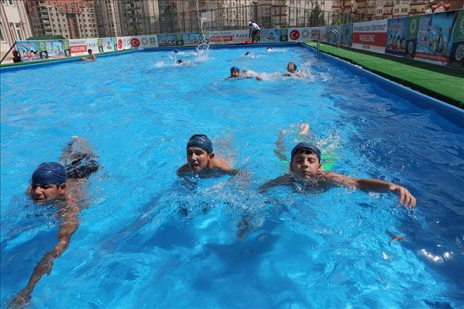 Havuzlar Çocukların Ayağına Geldi