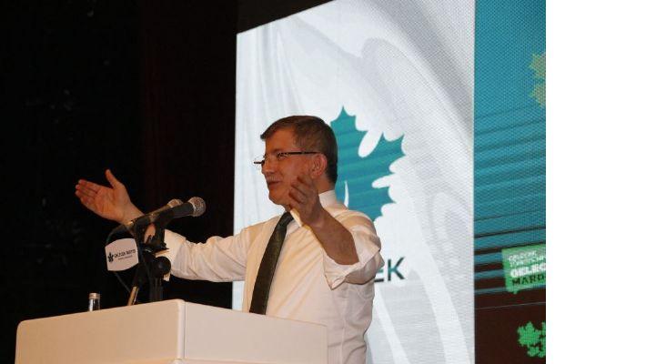 Davutoğlu, Mardin'de kongreye katıldı