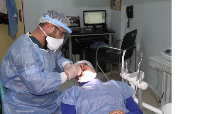 Mardin'de ilk defa implant tedavisi yapıldı