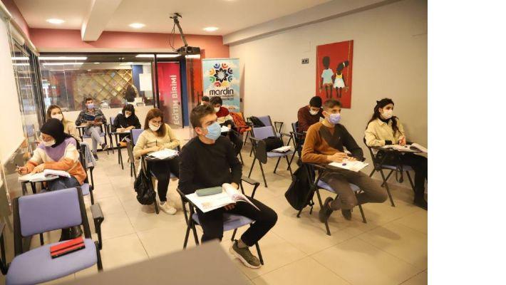 MBB Gençlik Merkezinden 'Diplomasi Akademisi'