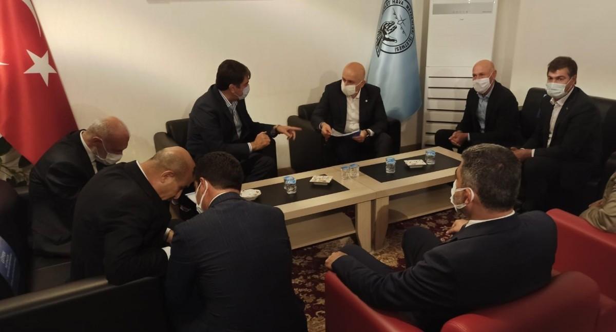 Bakan Karaismailoğlu, UND'nin sorunlarını dinledi