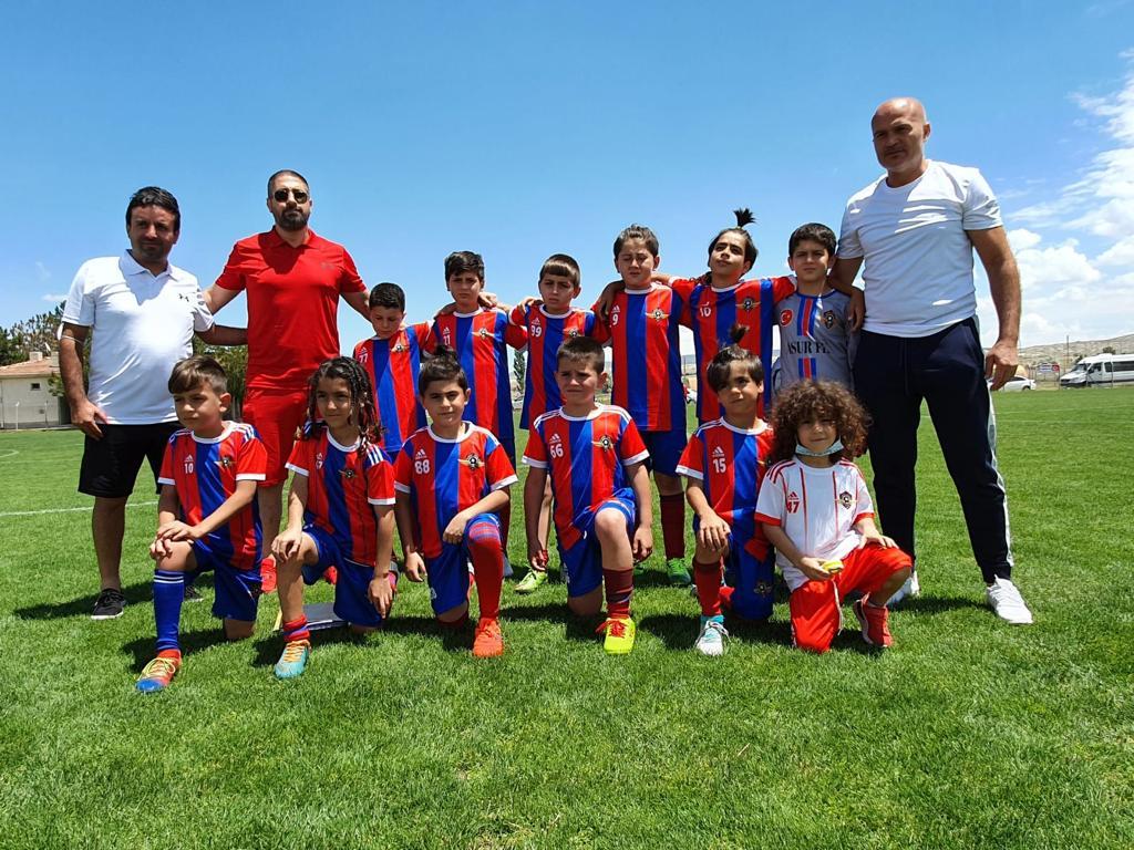 Geleceğin Yıldızları Nevşehir'de 2 Kupa Kazandı