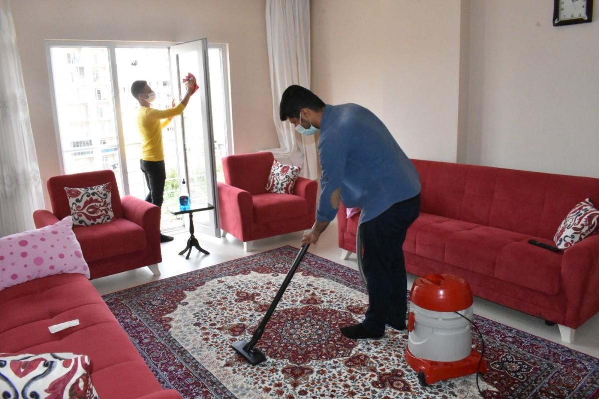 İhtiyaç Sahibi Yaşlı Vatandaşların Evlerinde Bayram Temizliği