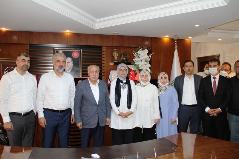 """Kabaktepe """"Ak Parti, Kürtlerin, Türklerin ve Arapların partisidir"""