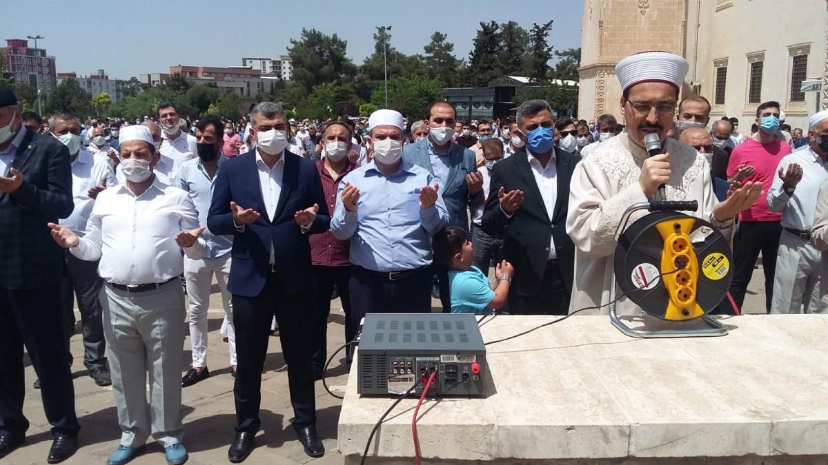 Mardin'de, Filistin şehitleri için  gıyabi  namaz kılındı