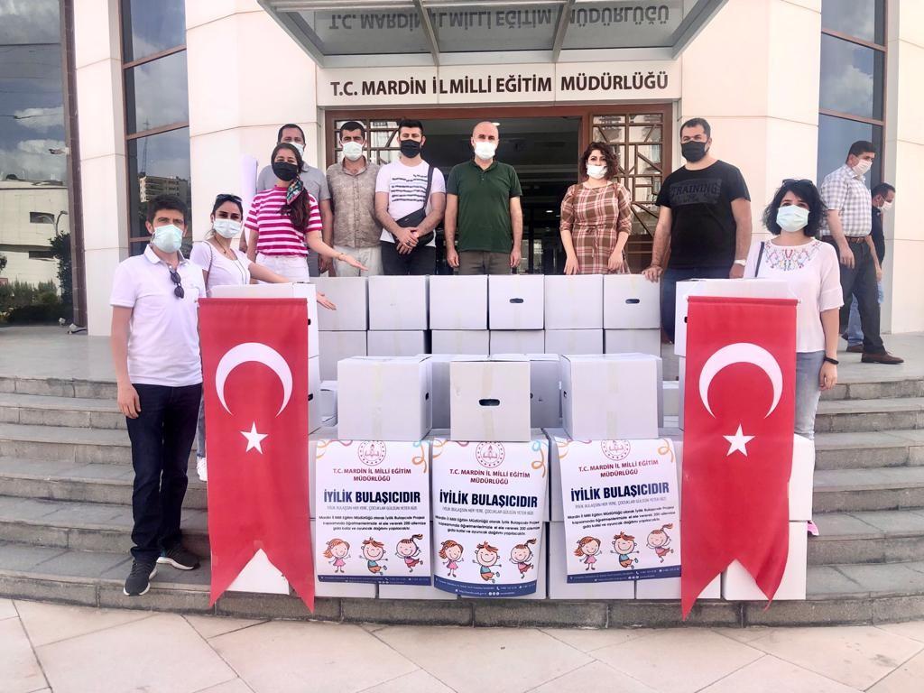 Mardin'de  Öğretmenler, iyiliği bulaştırıyor!