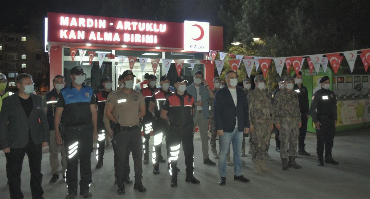 Mardin'de Polisler Kan bağışı Yaptı
