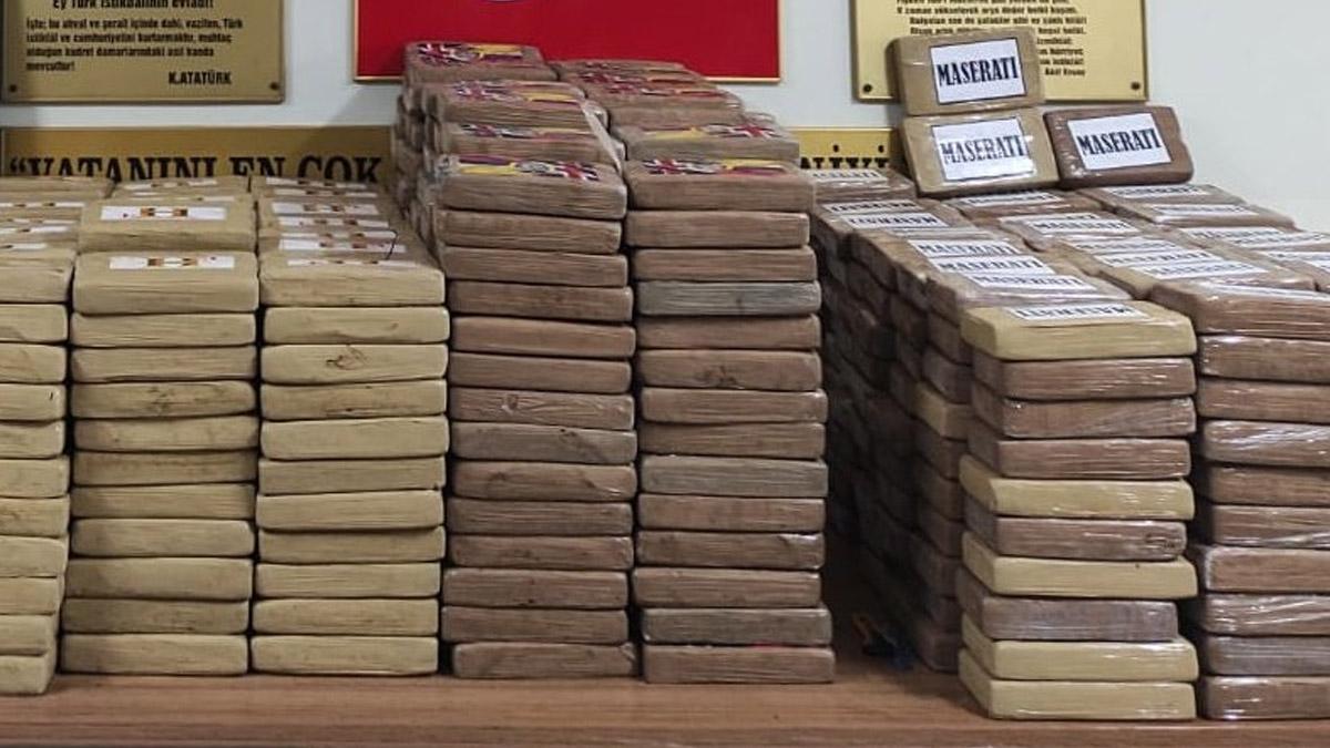 Mersin Limanı'nda 1 ton kokain ele geçirildi