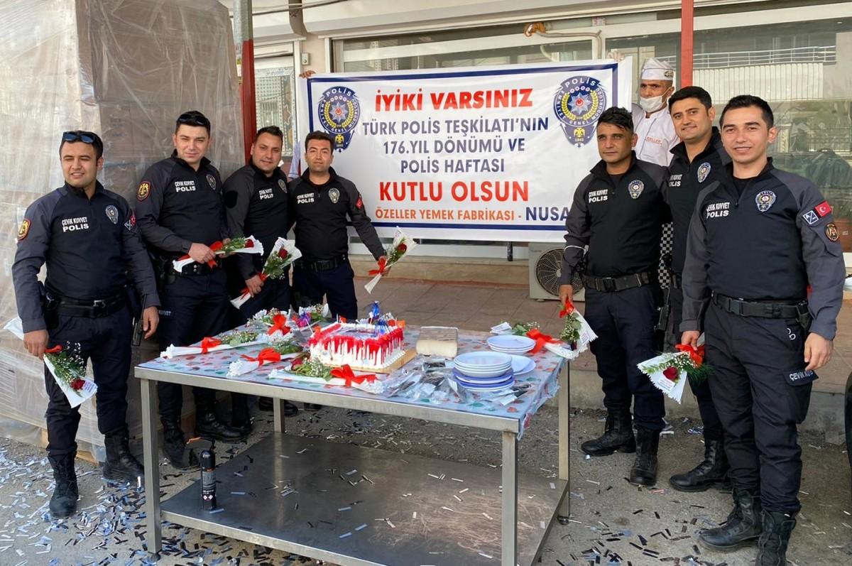 Polislere Sürpriz  Kutlama