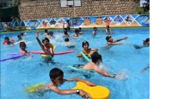 65 bin çocuk yüzmenin keyfini yaşadı