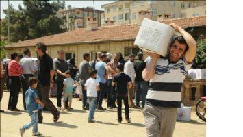 Mardin`deki Suriyeli sığınmacılara yardım