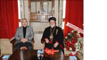 Süryaniler Kilisede Ateş Yaktı Noel´i Kutladı