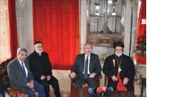 Süryaniler Doğuş Bayramını, Kilisede Ateş Yakarak Kutladı
