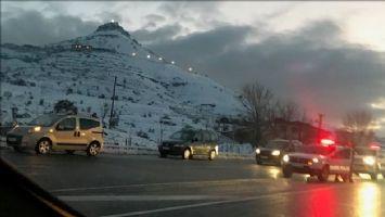 Mardin´de yollar buz tuttu 18 araç kaza yaptı 9 kişi yaralandı