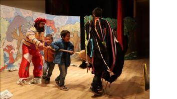 Mardin´de 15 bin çocuk tiyatro ile buluşacak.