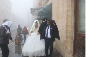 Mardin'de düğün fotoğrafı çekimlerine sis engeli!
