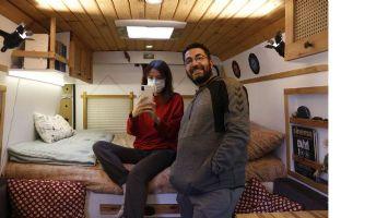 Tiyatrocu çift, 6 ayda 40 şehir gezdi