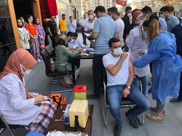 AK Partililer aşı oldu