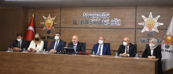 Bakan Karaismailoğlu; Ak Parti İl Binasında açıklamalarda bulundu