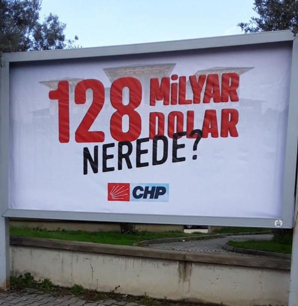 CHP'nin Bursa Mudanya'daki afişleri Savcılık talimatıyla kaldırıldı!