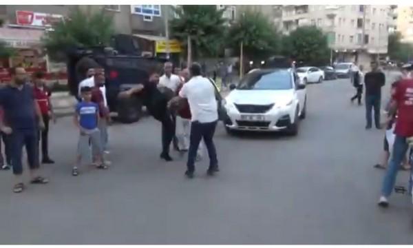 Gazetecilere yapılan saldırıya tepki