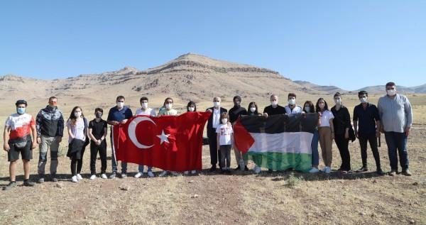Mardin'de 19 Mayıs'ı, paraşütlü kutlama