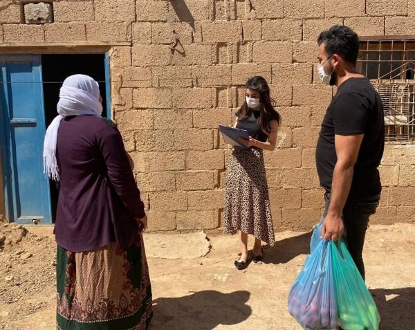 Mardin'de Belediye sebze meyve dağıttı