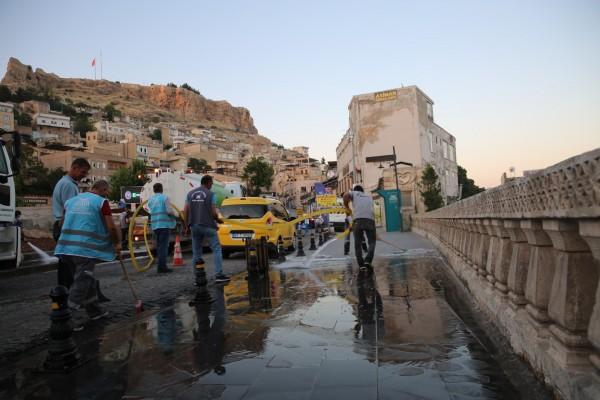 Mardin'de caddeler dezenfekte edildi