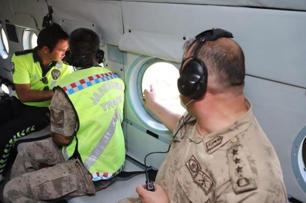 Mardin'de  Helikopterli Trafik Denetimi