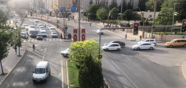 Mardin'de Caddeler Trafiği Kaldırmıyor