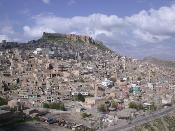 Mardin'de su kesintisine vatandaş tepki gösterdi