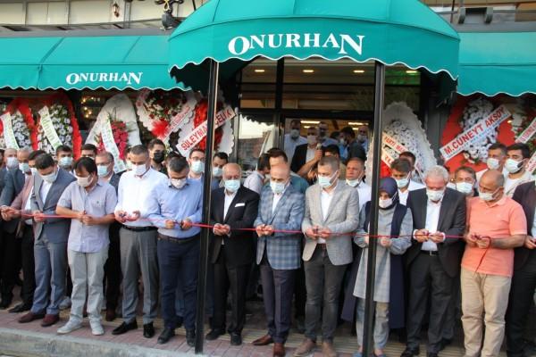 Onurhan Restoran açılışında il protokolü buluştu