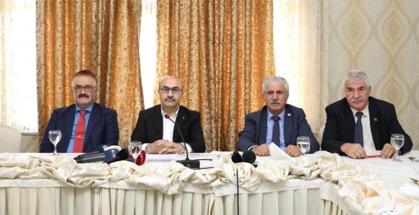Vali Demirtaş, Gazetecilere bir yıllık icraatını anlattı